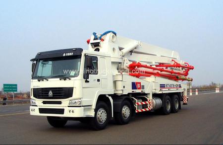 中国重汽 SINOTRUK HOWO 8X4 37米 泵车
